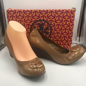 Tory Burch Caroline Wedge Size 8